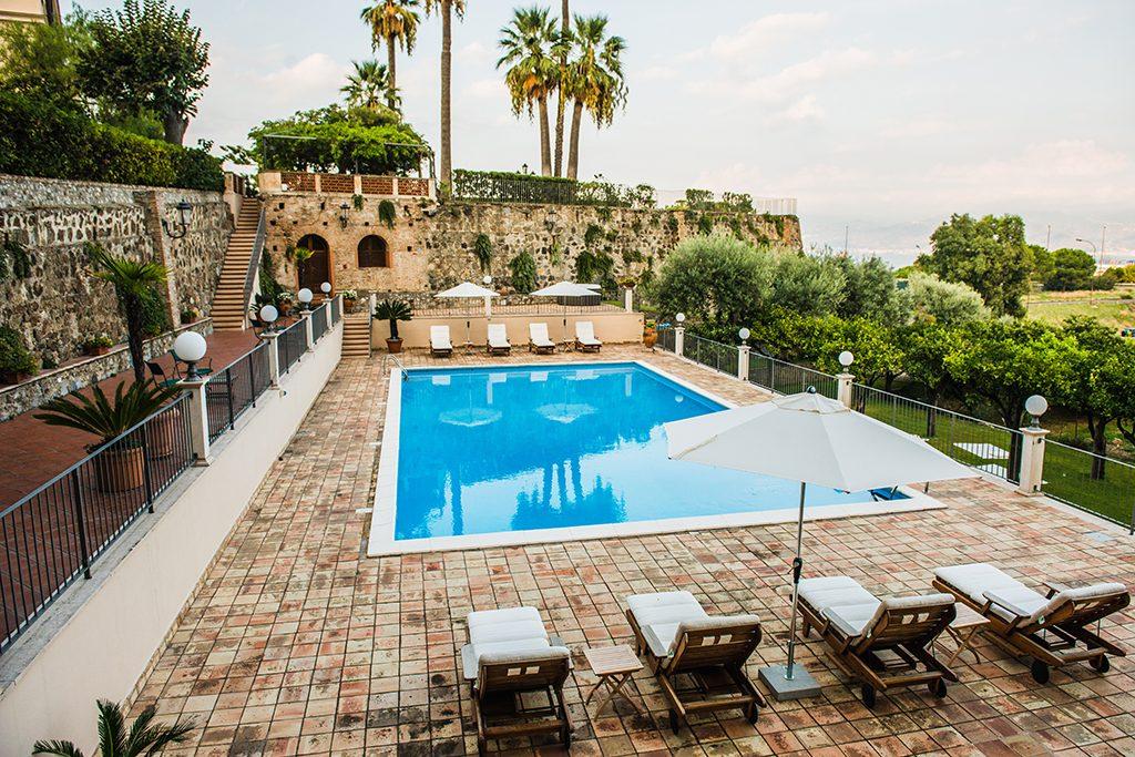 Piscina villa pulejo eventos resort spa messina sicilia for Disposizione del piano piscina